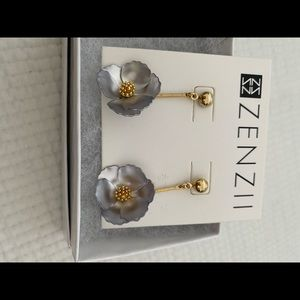Zenzii earrings flowers